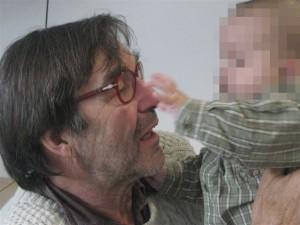 MAX soll keine Kaspar Hauser-Dasein in einer fremden Familie führen. Er gehört zu VICTORIA und mir, sagt sein Vater JÖRG.